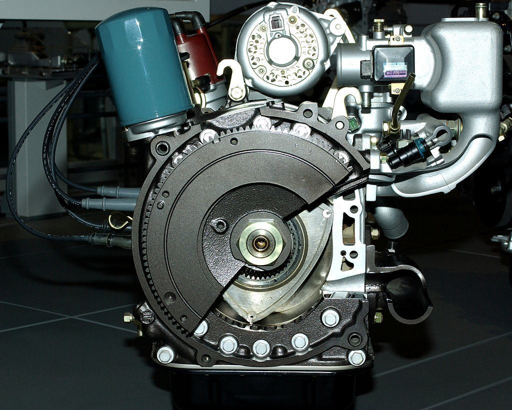 Rotary_Engine_of_Toyota_in_1970s_(rear)