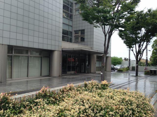 裁判所_入り口